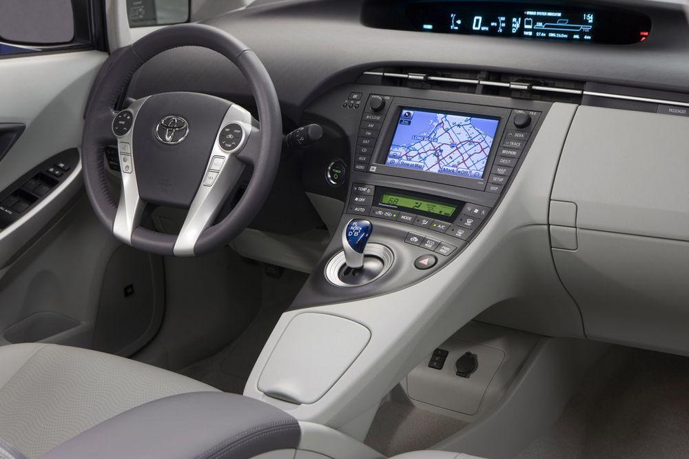 Тойота приус 2014 фото