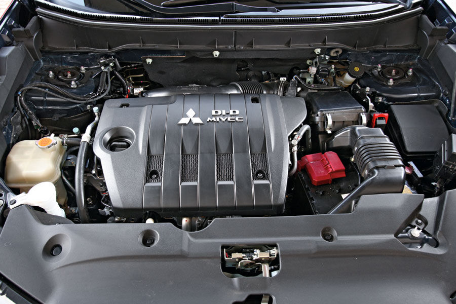 Nissan qashqai и mitsubishi asx сравнение двух