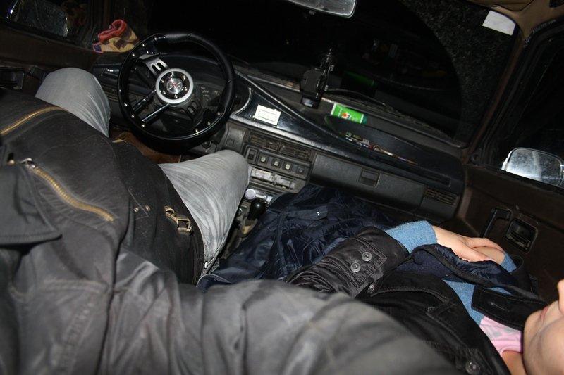 Видео как мужчина едет в машине с бабой в хорошем качестве 720 фотоография