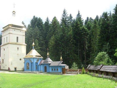 Прикарпатье. Горы, церкви, замки и хорошее настроение.