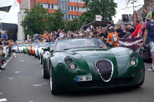 Weismann выкатили на Параде Пилотов целую вереницу автомобилей