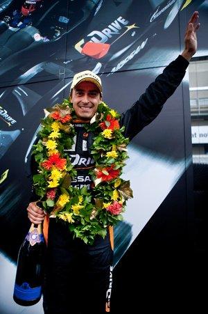 Роман Русинов после награждения за третье место в категории LMP2