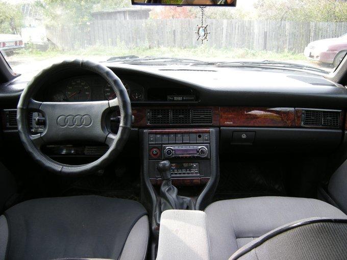 Audi 100 1989, бензин,