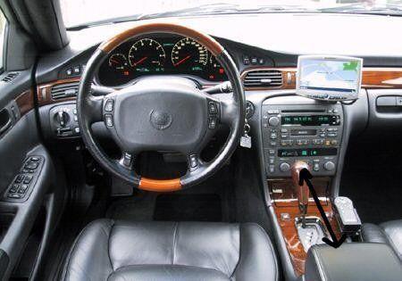 Cadillac STS 2001 - отзыв владельца