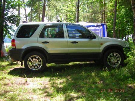 Ford Escape 2003 - отзыв владельца