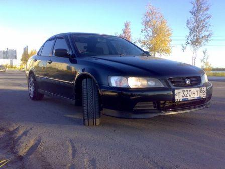 Honda Accord 1999 - отзыв владельца