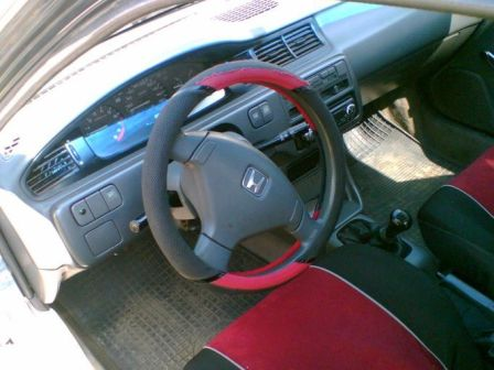 Honda Civic Ferio 1995 - отзыв владельца