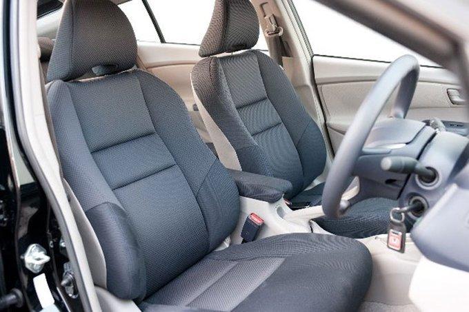 Honda Insight.