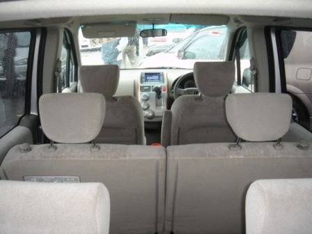 Honda Mobilio 2003 - отзыв владельца