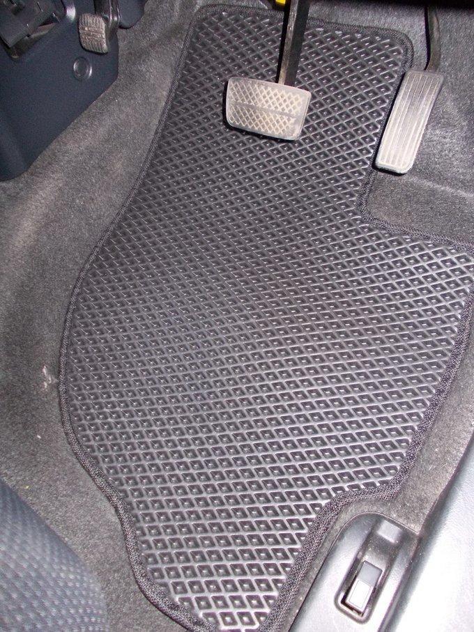 Honda Mobilio Spike.