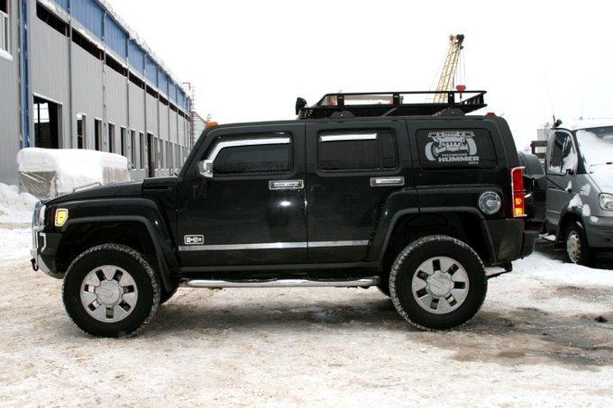 Hummer H3.