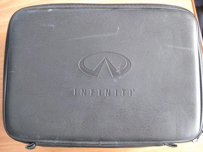 Infiniti FX35.