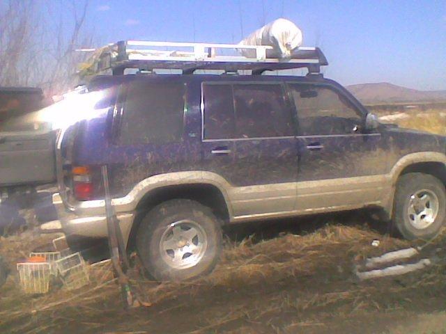 Isuzu Bighorn.