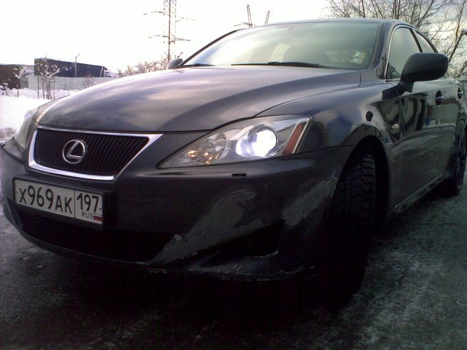 Lexus IS250.