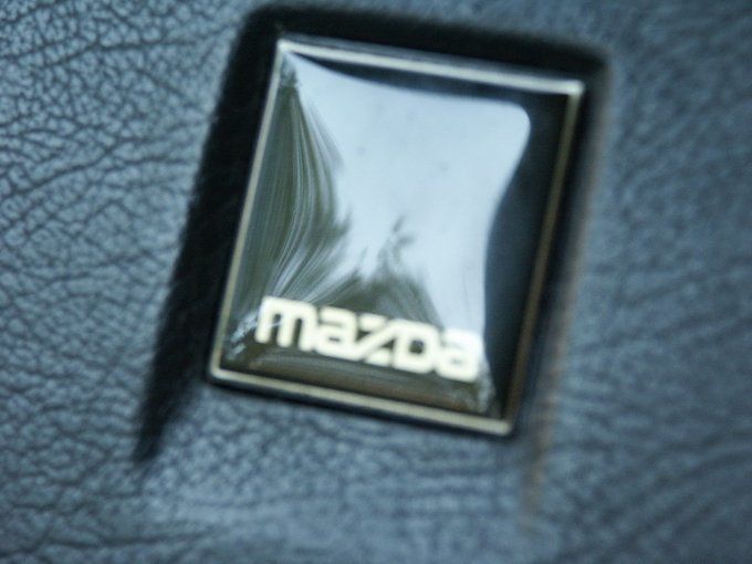 Mazda 323.