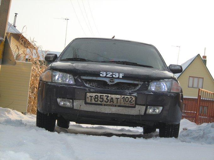 Mazda 323F.