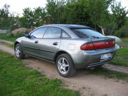 Mazda 323F 1995 - отзыв владельца