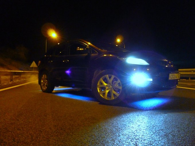 Mazda CX-7.