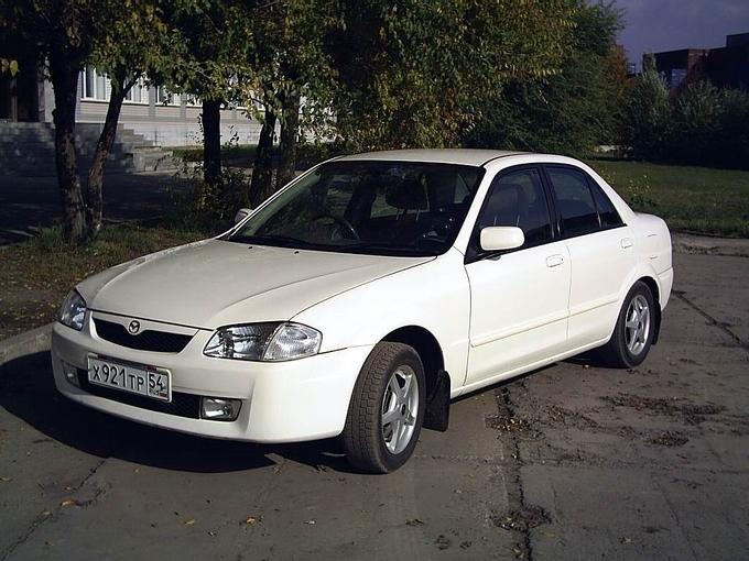 Фотографии Mazda Familia.