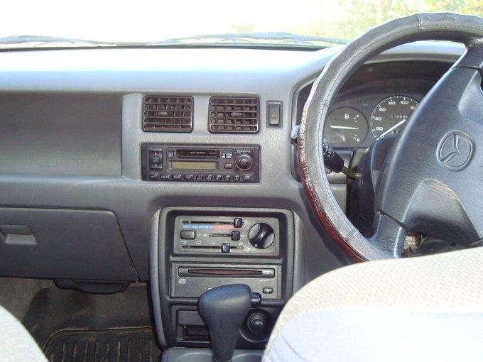 Mazda Mazda2.
