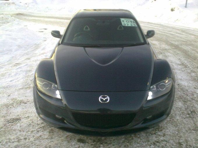 Mazda RX-8.