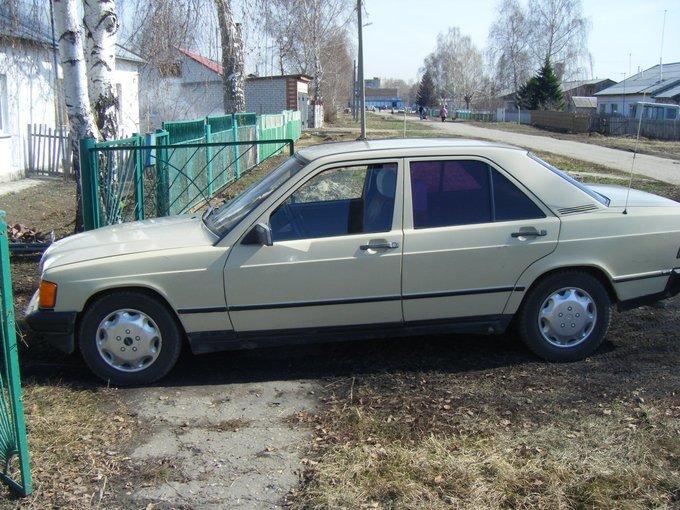 Mercedes-Benz 190.