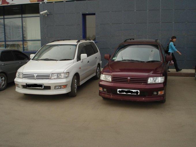 Mitsubishi Chariot Grandis.