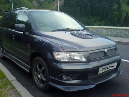 Mitsubishi Chariot Grandis 1997 - отзыв владельца