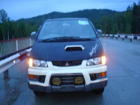 Mitsubishi Delica 1997 - отзыв владельца