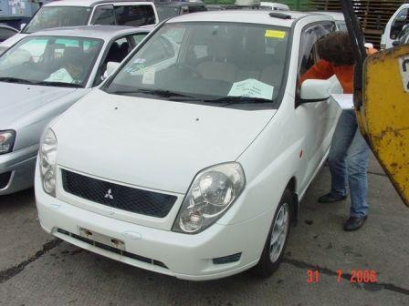 Mitsubishi Dingo 1999 - отзыв владельца