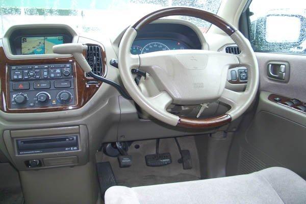 Mitsubishi Dion: краткая и полна…
