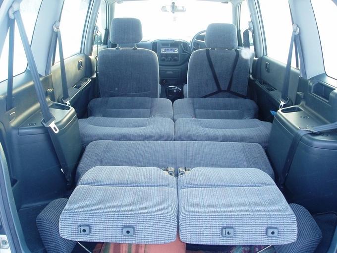 Mitsubishi Dion, 2000 Изображени…