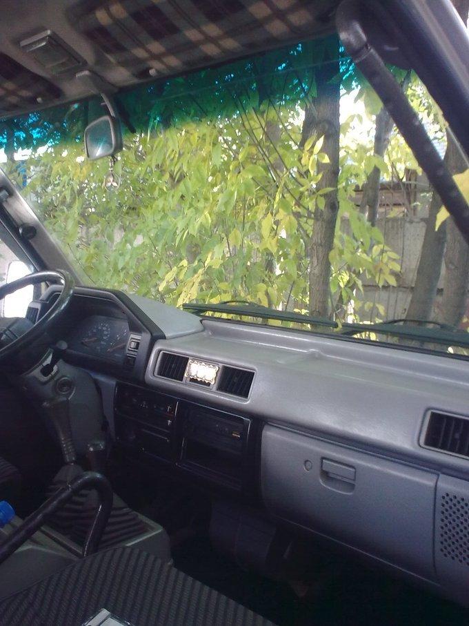 Mitsubishi L300.
