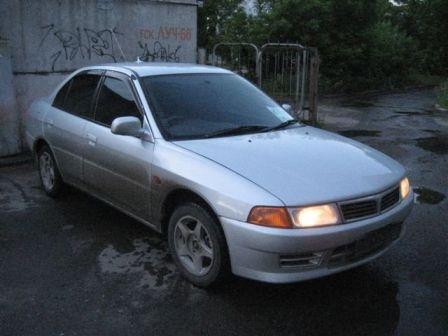 Mitsubishi Lancer 1999 - отзыв владельца