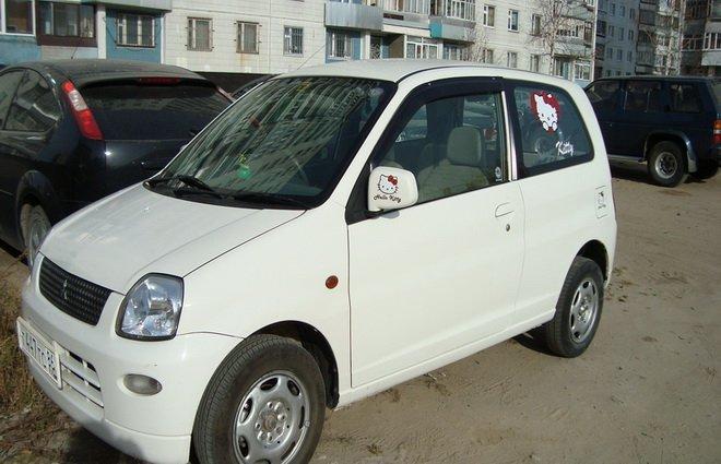 Mitsubishi Minica.