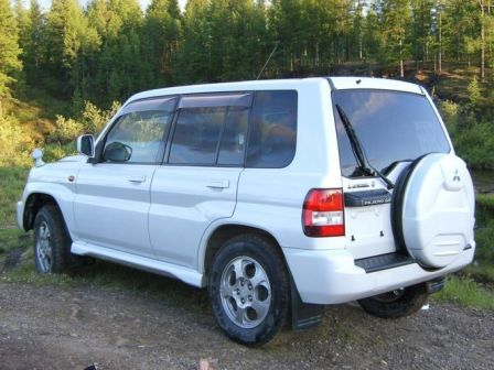 Mitsubishi Pajero iO 2000 - отзыв владельца