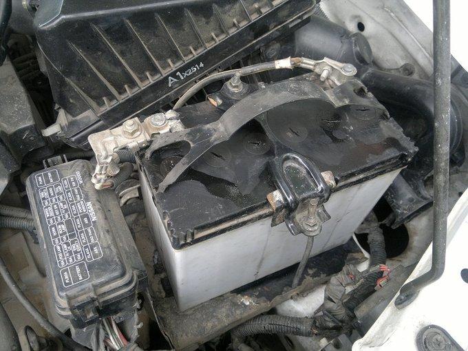 Nissan AD.