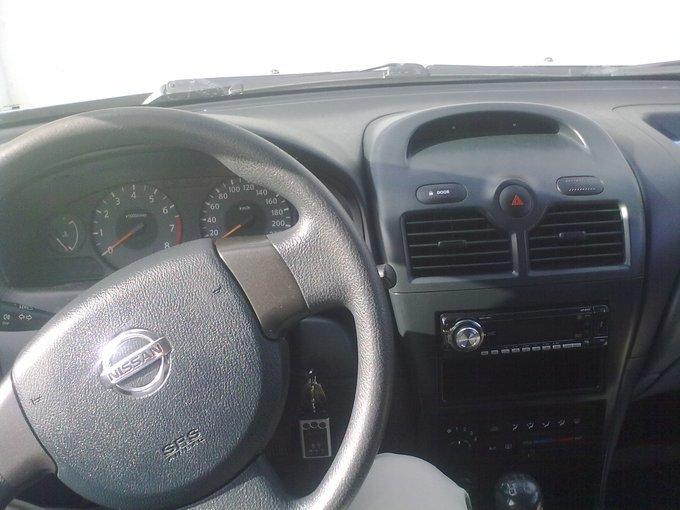 Nissan Almera Classic.
