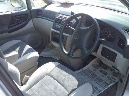 Nissan Bassara 2000 - ����� ���������