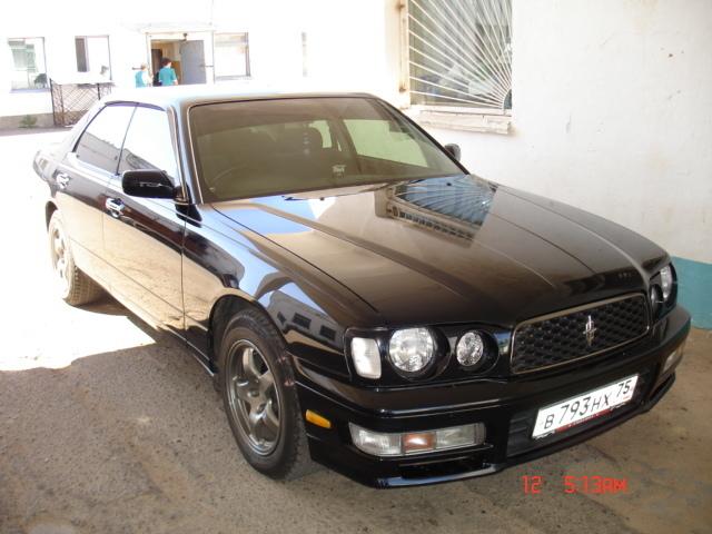 nissan cedric, 2000 года выпуска чёрного цвета