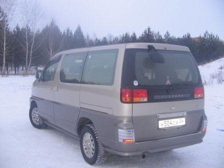 Nissan Elgrand 2000 - ����� ���������
