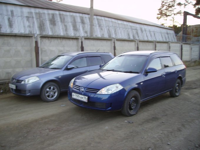 Nissan March.