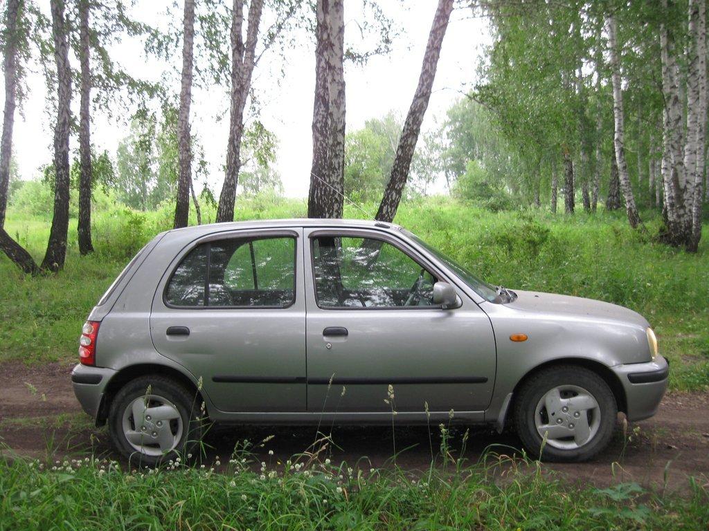 маленькая машина от nissan