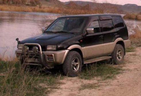 Nissan Mistral 1995 - отзыв владельца