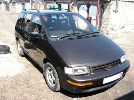 Nissan Prairie 1990 - отзыв владельца