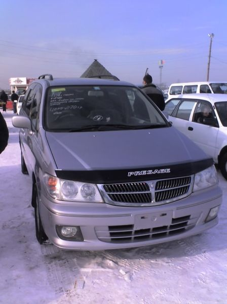 Nissan Presage 1998 - отзыв владельца
