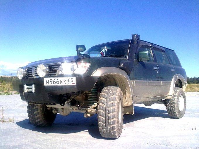 Nissan Safari.