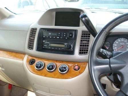Nissan Serena 2003 - отзыв владельца