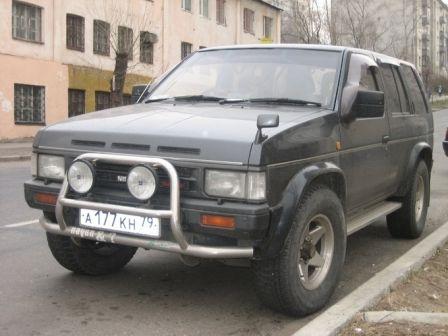 Nissan Terrano 1992 - отзыв владельца