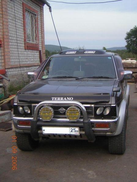Nissan Terrano 1995 - отзыв владельца
